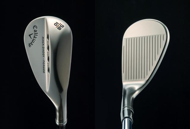 画像: グースネックでもなく、出っ歯でもない、ゼロオフセットの見た目(右)。ソール形状は、抜けが良くスピンが掛かりやすい「Cグラインド」ソールを採用(左)