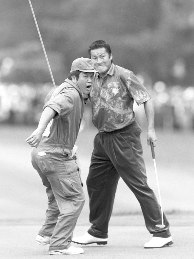 画像14: 【ゴルフ場クイズ】ダンロップフェニックストーナメント。タイガー・ウッズが出場した際、食堂でお替りしたメニューは? 「ハンバーガー」「牛丼」「釜揚げうどん」どれ?