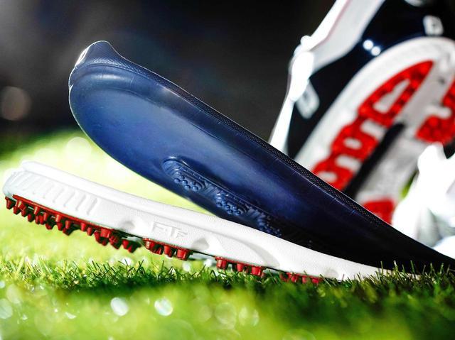 画像1: 【プレゼント】PGAツアーの多くのプロが愛用するフットジョイ。3層構造のアウトソールが芝をガッチリつかむスパイクレスシューズ、3名様にプレゼント! アダム・スコットも履いている