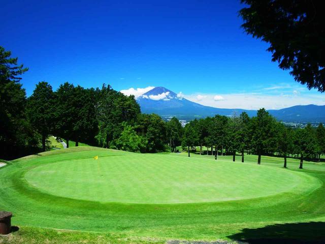 画像: すべてのホールから富士山が望める
