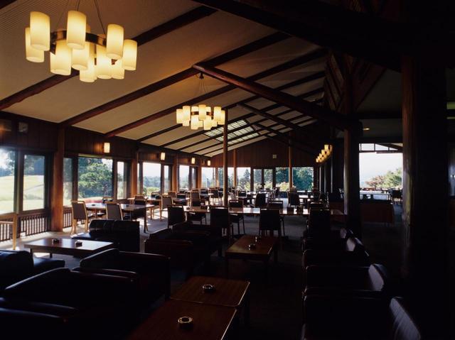 画像: 設計は旧帝国ホテルなども手掛けたチェコ出身の建築家、アントニン・レーモンド