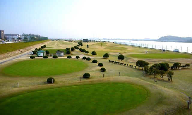 画像: 東京や東海の河川敷ゴルフ文化の先駆けとなった