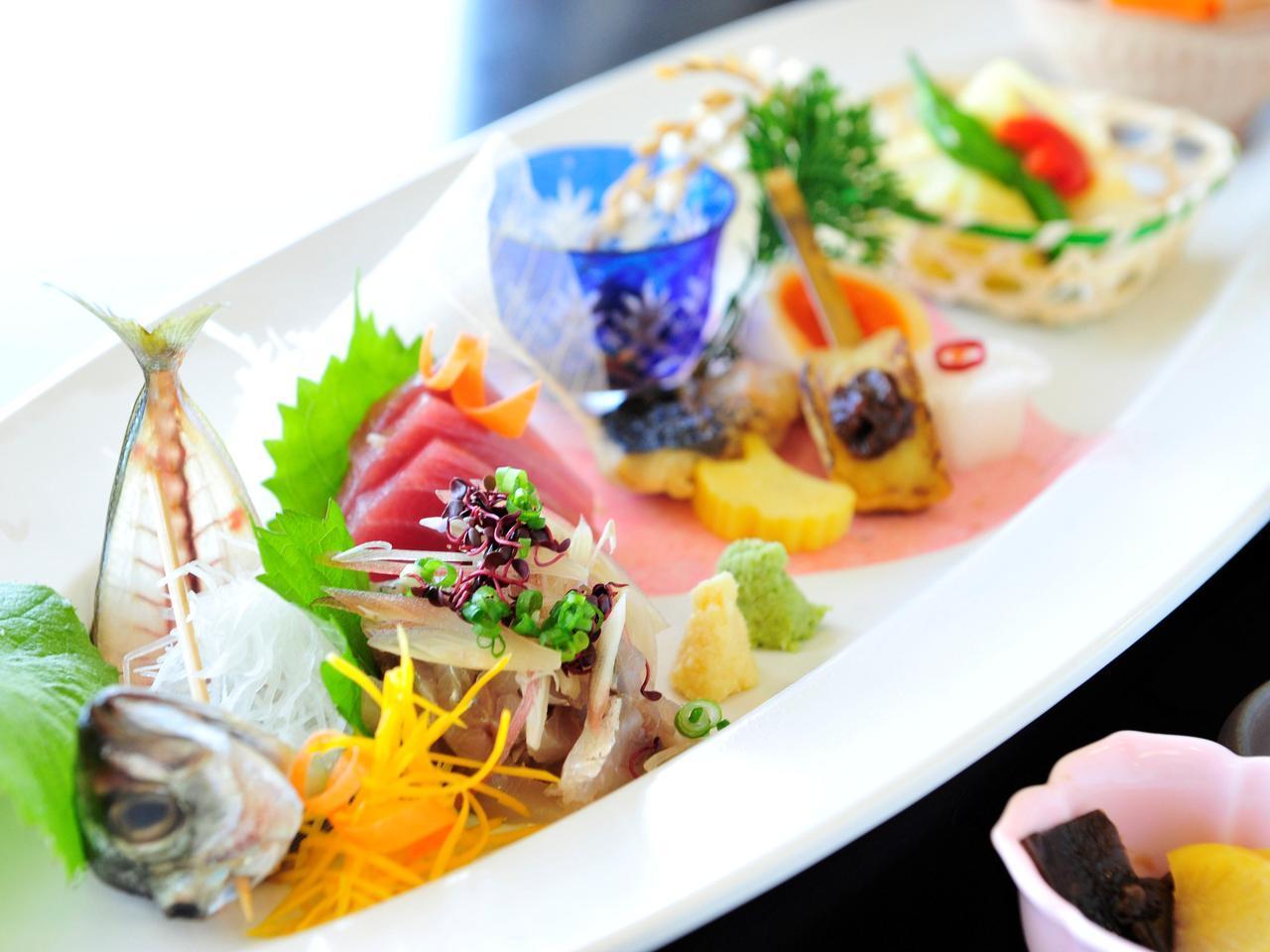 画像: 【クラブハウスグルメ】新鮮すぎる海の幸。伊東カントリークラブの「伊豆乃凪」