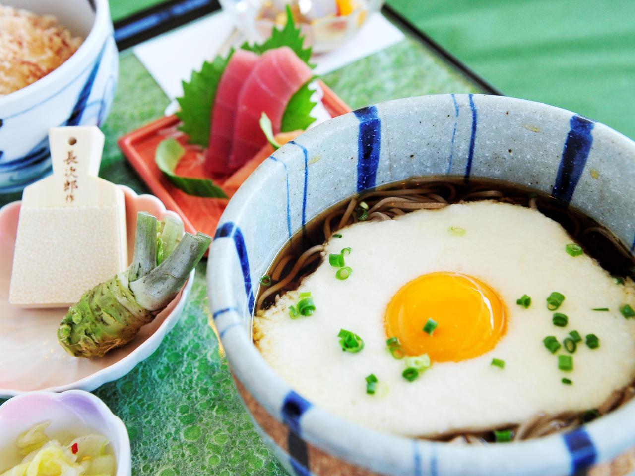 画像: 【クラブハウスグルメ】中伊豆グリーンクラブの「中伊豆産わさび丼ととろろそば」