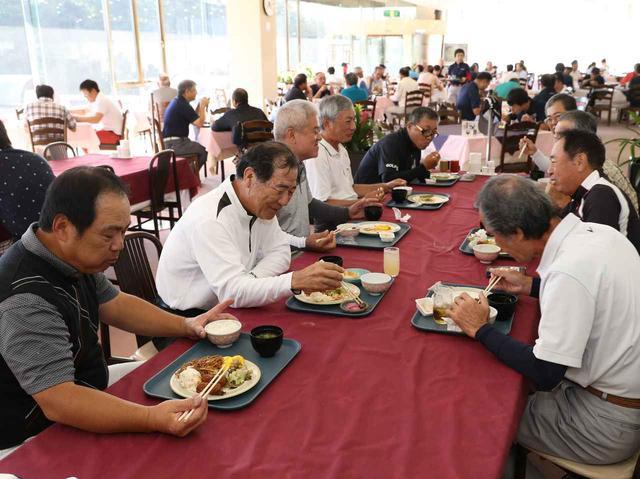 画像: 偶然、沖縄から来たお客さんも驚愕「毎朝これがあるなんて信じられんよ」