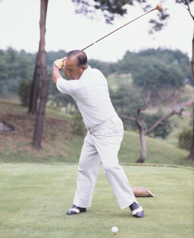 画像3: 【今日は何の日? ゴルフの日】60年前の昭和32年10月27日にカナダカップ優勝。霞ヶ関CC東コースでマークした日本チームのスコアは? 日本のタイガー中村寅吉