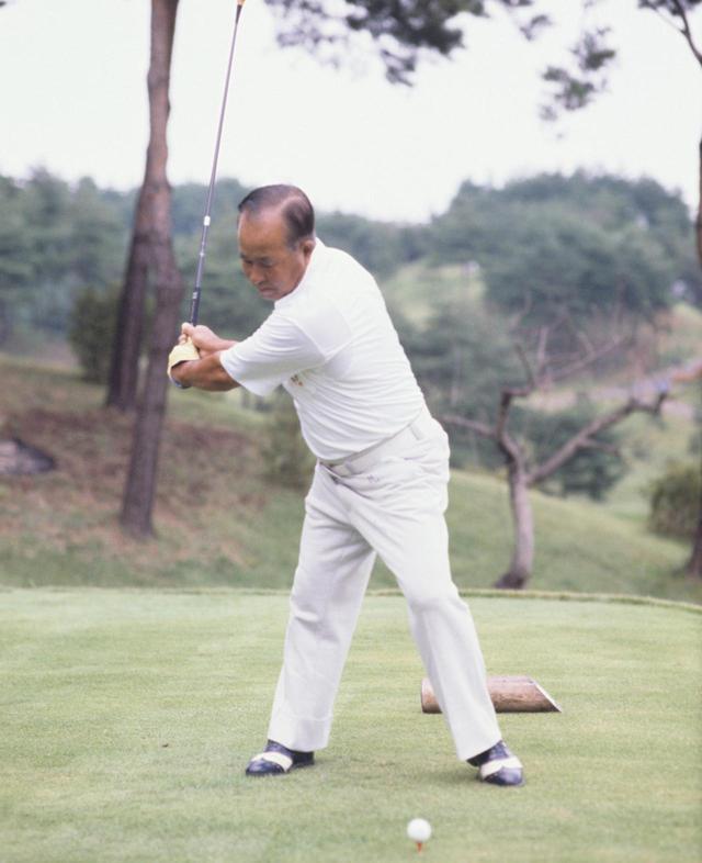 画像2: 【今日は何の日? ゴルフの日】60年前の昭和32年10月27日にカナダカップ優勝。霞ヶ関CC東コースでマークした日本チームのスコアは? 日本のタイガー中村寅吉