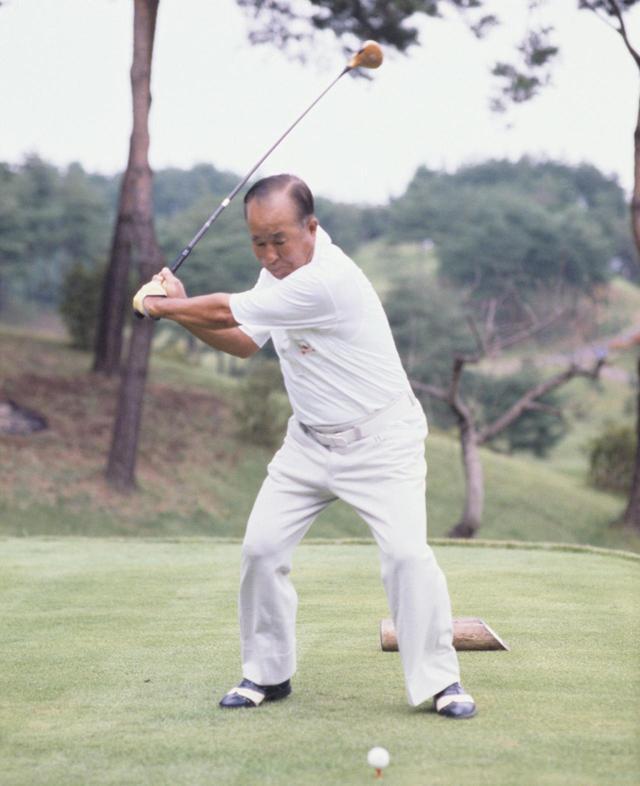 画像4: 【今日は何の日? ゴルフの日】60年前の昭和32年10月27日にカナダカップ優勝。霞ヶ関CC東コースでマークした日本チームのスコアは? 日本のタイガー中村寅吉