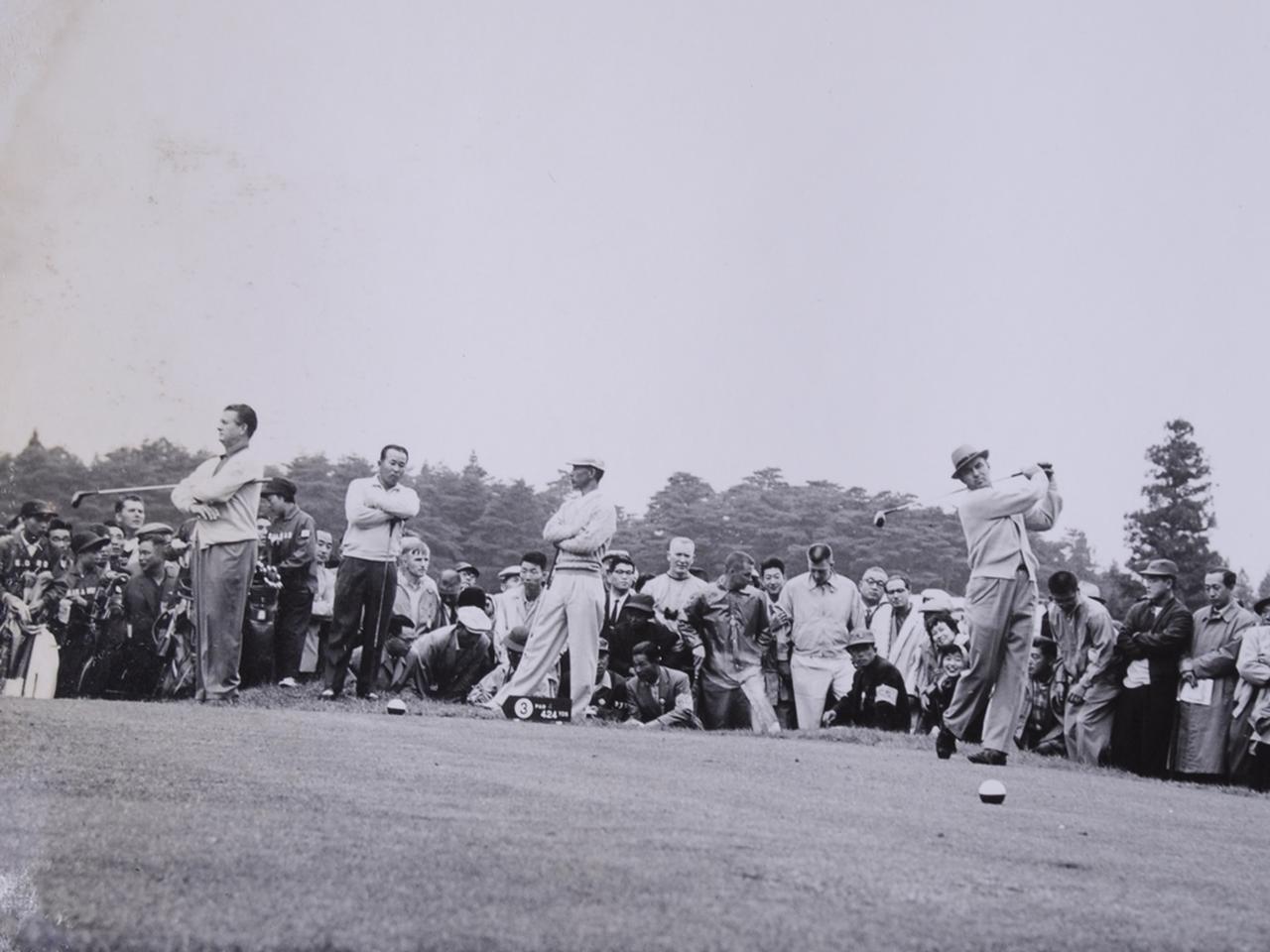 画像: 2日目。アメリカと同組の日本勢。左からジミー・デマレー、中村寅吉、小野光一、サム・スニード