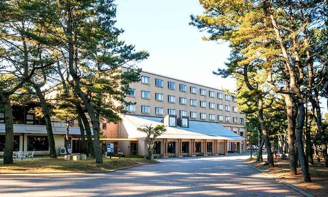 画像: こちらは大洗パークホテル。もちらも大洗GCのお隣り