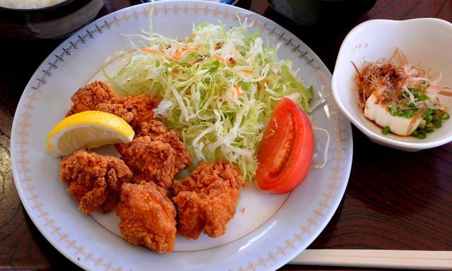 画像: 唐揚げ定食もサクサクジューシー