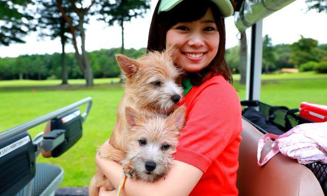 画像: 25那須ゴルフガーデンはペットと一緒にコースに出られます