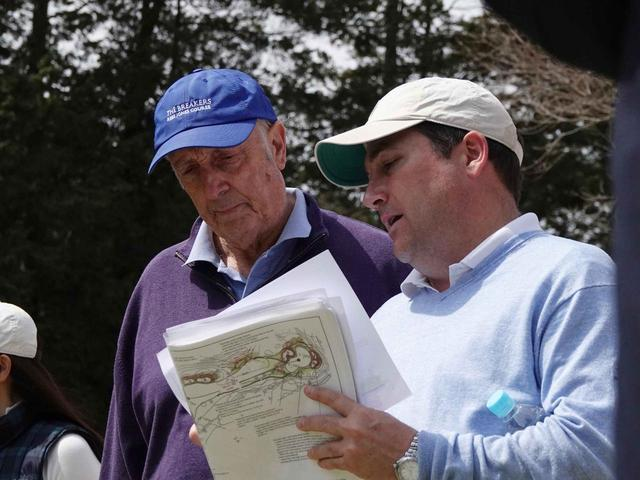 画像: リース・ジョーンズ氏(左)と現場の指揮を執るジョーンズ氏の右腕、ブライス・スワンソン氏