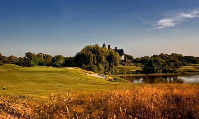 画像: ブエノスアイレスゴルフクラブ 設計はロバート・ボン・ヘギー。マウンド、池、バンカーを巧みに配置した美しいコース