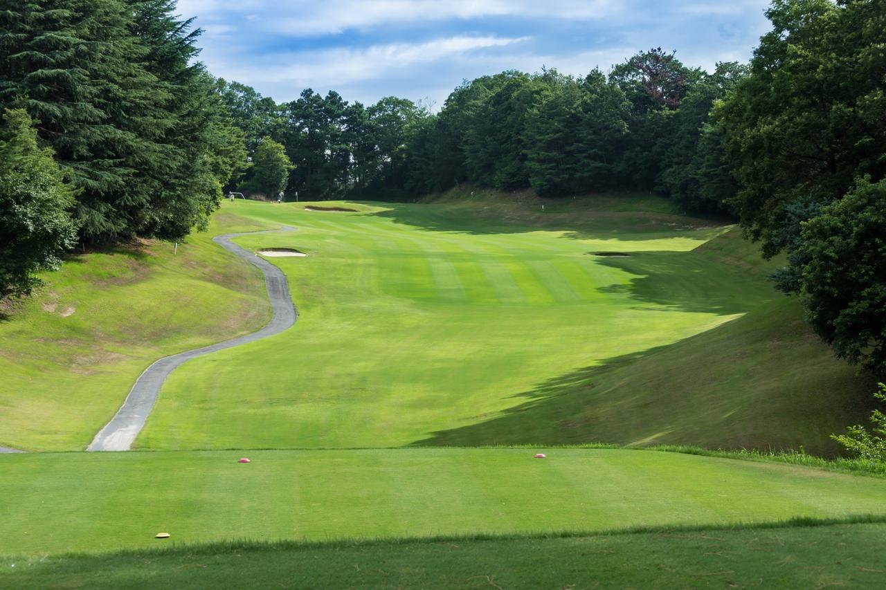 Images : 1番目の画像 - 高低差がある多彩な18ホール - ゴルフへ行こうWEB by ゴルフダイジェスト