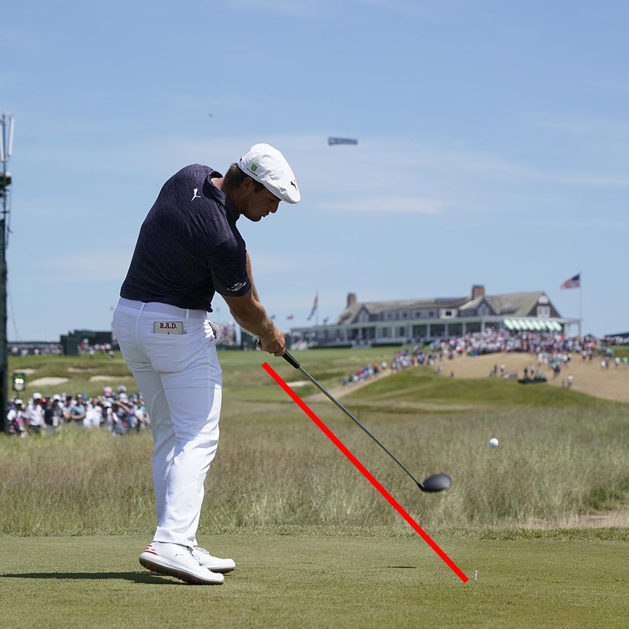 画像: 背骨とクラブが直角状態でインパクト