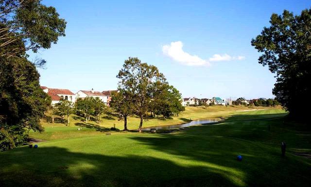 画像: ティグラウンドに立つとこの風景。ゴルフリゾートの暮らし