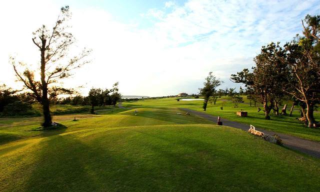 画像: 3日目はエメラルドコーストゴルフリンクスでプレー&レッスン