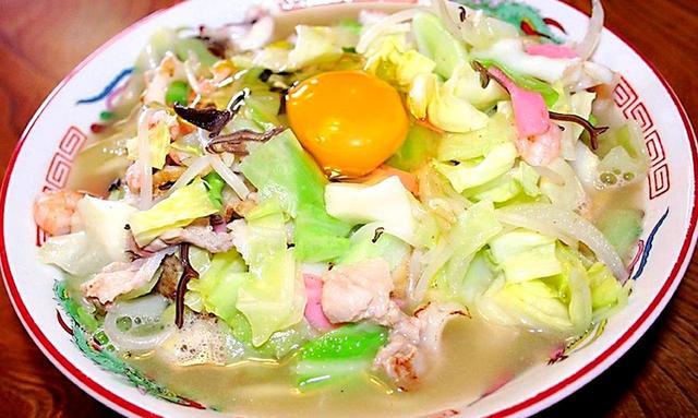 画像: 名物 ちゃんぽん 町のレストランや中華料理店では必ずあります。長崎市、佐世保市、雲仙市、島原市…エリアごとに味付けも変わります