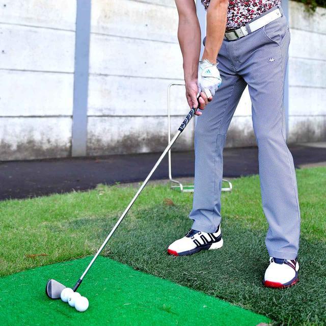 画像: 【16日目】 「慣れるまでは、通常のボールの後ろに2個ボールを置いて確認しながら練習するといいですよ」(今野)