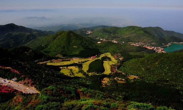 画像: 日本最古のパブリックコース、雲仙ゴルフ場