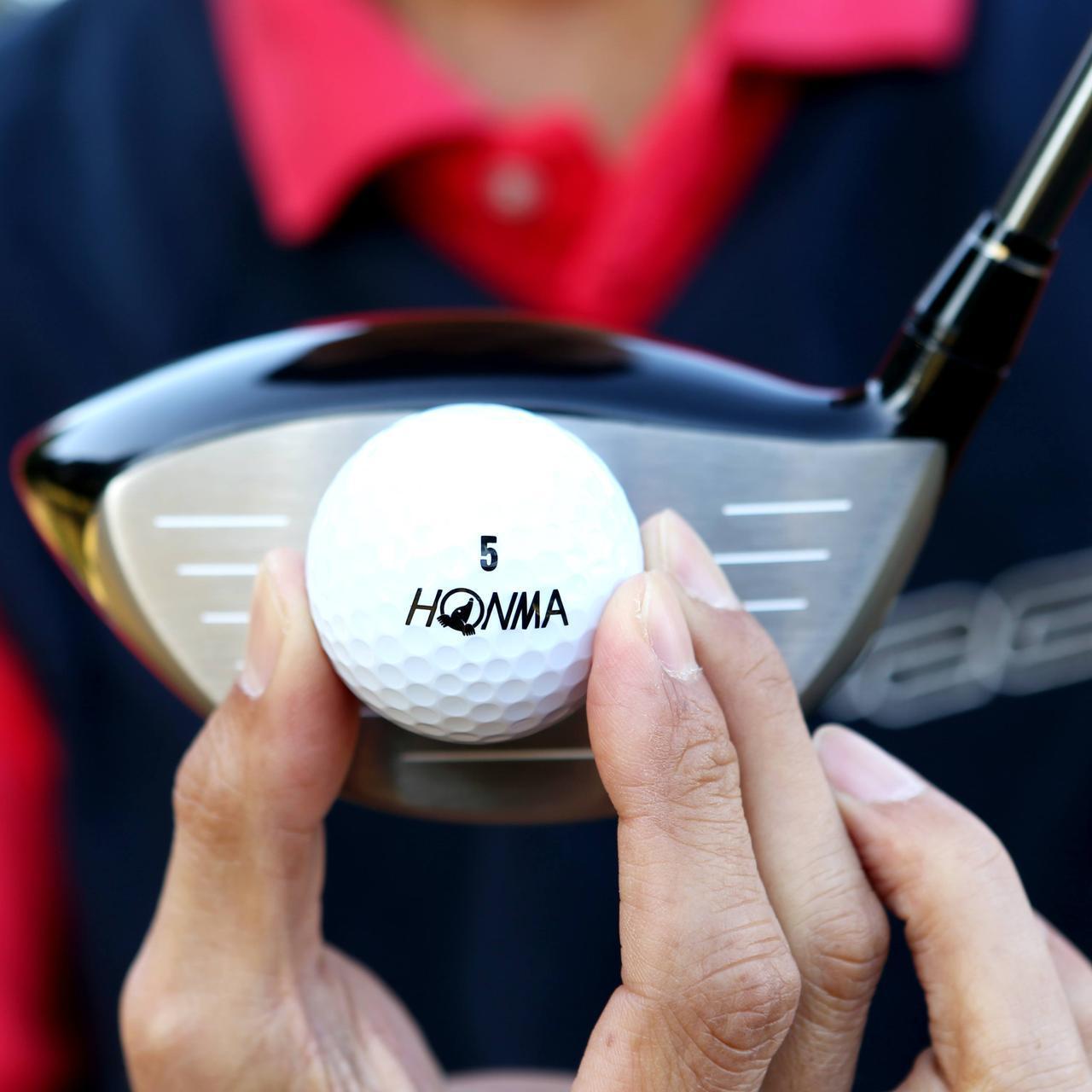 画像: スピンが少ない球が打ちやすい。 フェースはシャローに見えますが、厚みがあって重心より上に当たりやすいです