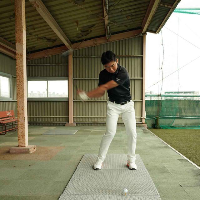 画像2: 【10本で握る】テンフィンガーグリップで300ヤードを飛ばす高校2年! 篠塚武久先生が教え子、出利葉太一郎くんのスウィングを解説