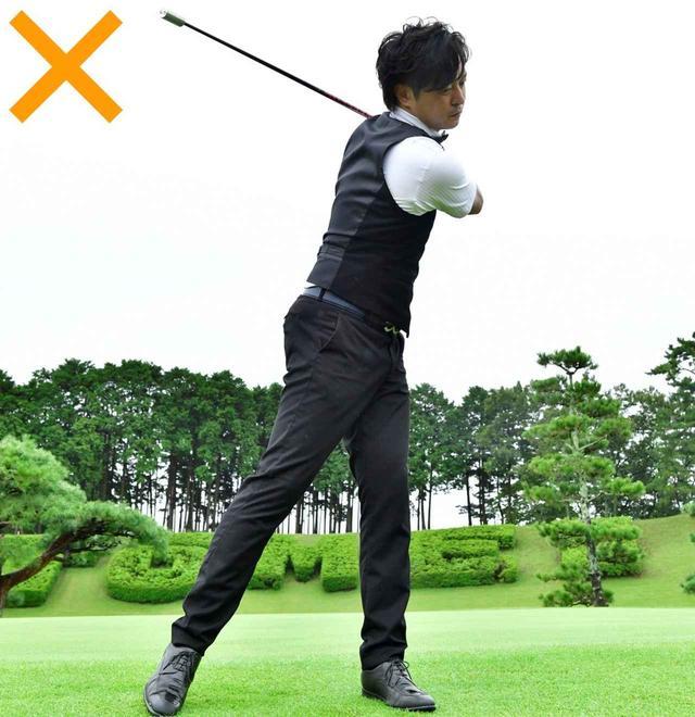 画像: 棒に振り回されるのはよくない。棒と体で引っ張り合う意識で振ると上手くいく