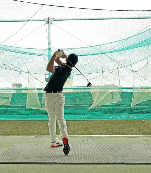 画像4: 【10本で握る】テンフィンガーグリップで300ヤードを飛ばす高校2年! 篠塚武久先生が教え子、出利葉太一郎くんのスウィングを解説