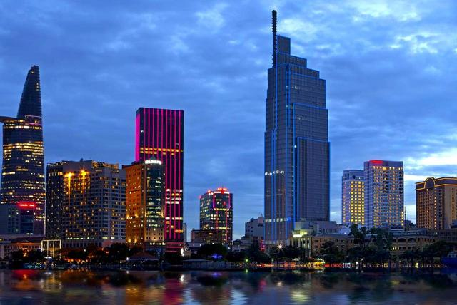 画像: 右の2つのタワーがシェラトンサイゴンホテル