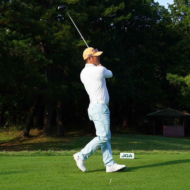 画像13: 【チェ・ホソン】振るたびに球を操る意識を感じる。「1本脚フィニッシュ」に詰まっているゴルフの神髄