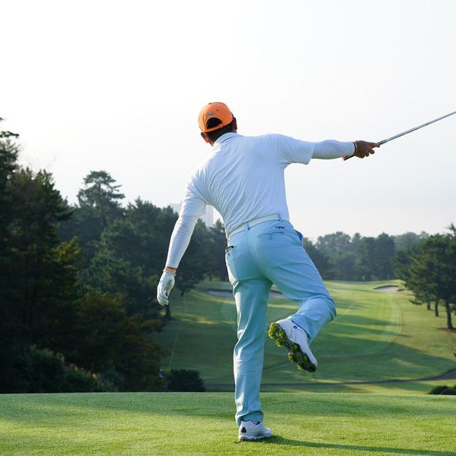 画像10: 【チェ・ホソン】振るたびに球を操る意識を感じる。「1本脚フィニッシュ」に詰まっているゴルフの神髄