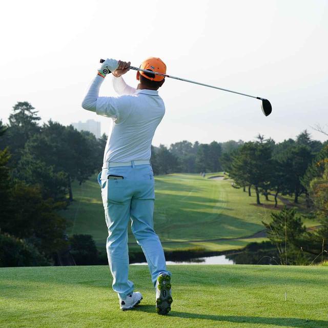 画像9: 【チェ・ホソン】振るたびに球を操る意識を感じる。「1本脚フィニッシュ」に詰まっているゴルフの神髄
