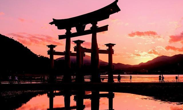 画像: <広島> 海に浮かぶ姿が幻想的な、日本屈指の神社、厳島神社