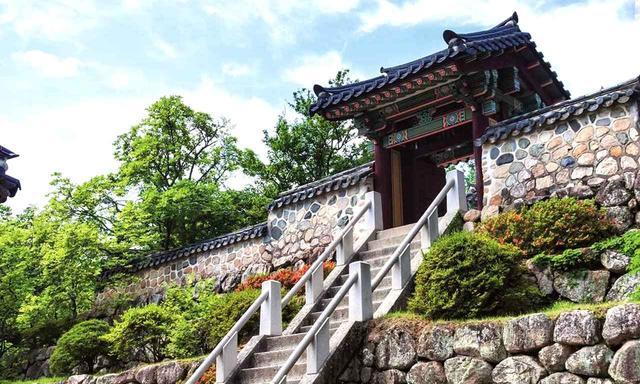 画像: <韓国・釜山> 千年の都、慶州。文化・芸術が盛んだった新羅時代の趣がそのまま残る貴重な文化財