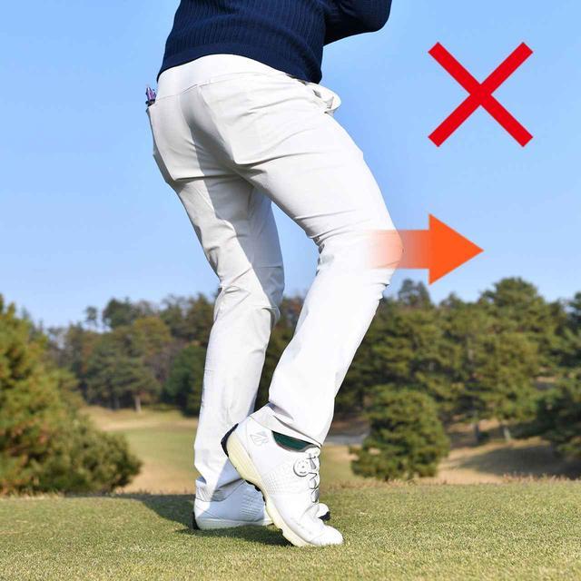 画像: ひざが前に出ると手元が浮いてヘッドが垂れる