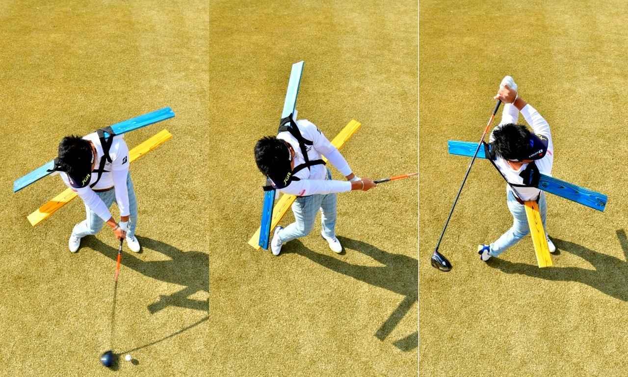 画像: ねじり戻しの力でクラブの遠心力が働き、インパクト直前には肩は猛スピードで回る。フォローでは肩が腰を追い越す