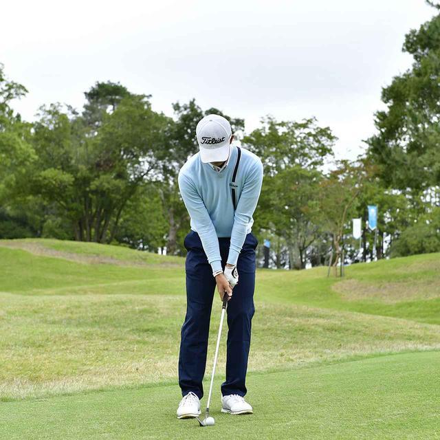 画像1: 【アプローチ】日本のナショナルチームで覚えたワザ、中島啓太選手の転がし寄せ。「常に転がせないかを考えています。番手を替えるだけでカンタンです」
