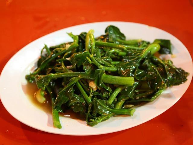 画像: 青菜とガーリックの炒め