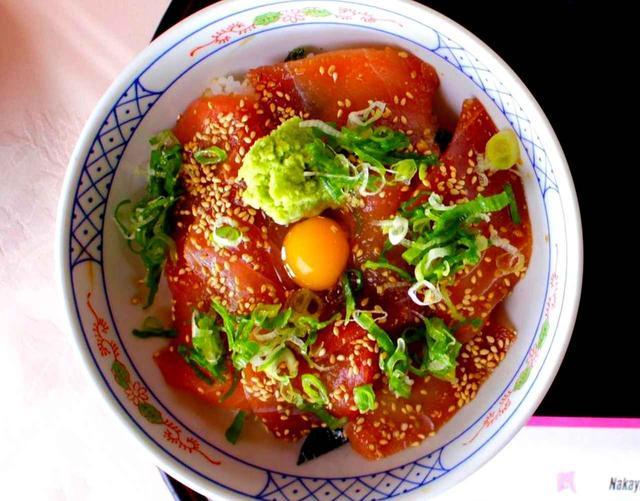 画像: マグロ漬け丼(味噌汁・香の物付) 1500円(税別)