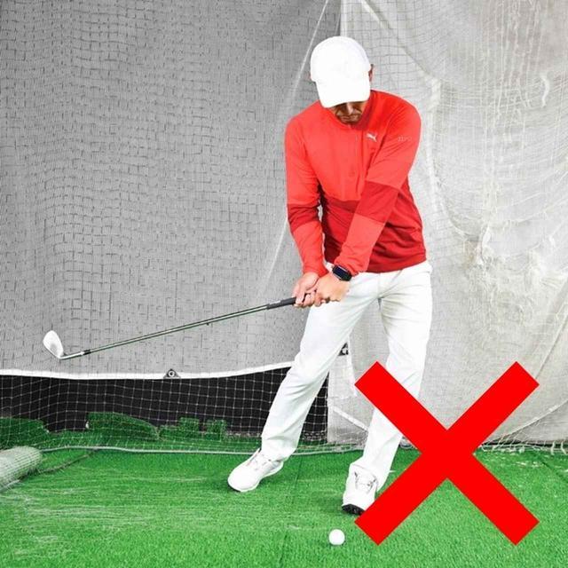 画像: 切り返しで体が左へ流れてしまう人はバランスよくスウィングできません