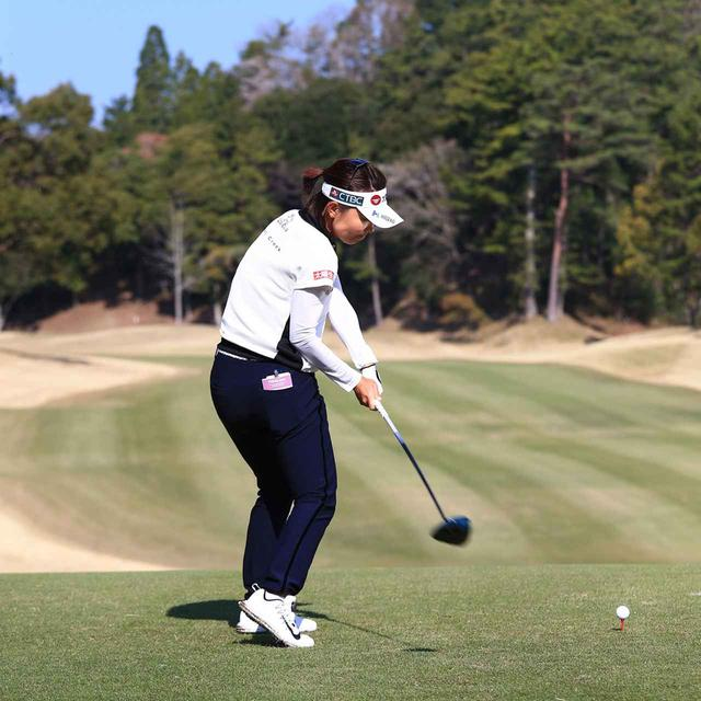 画像6: 【テレサ・ルー】女子プロが選んだベストドライバースウィング。軽く振っても飛ぶ「捻転力」の秘密