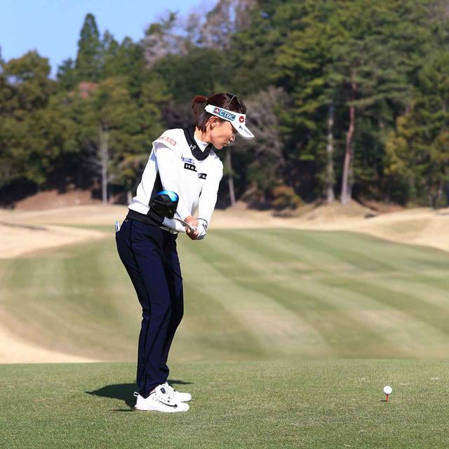 画像2: 【テレサ・ルー】女子プロが選んだベストドライバースウィング。軽く振っても飛ぶ「捻転力」の秘密