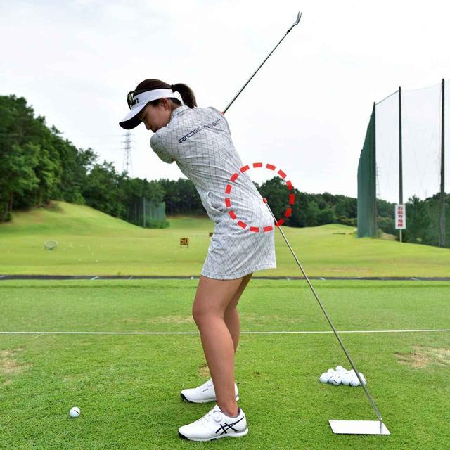 画像: 完全に当たらなくても、棒の先を強く意識するだけで効果的