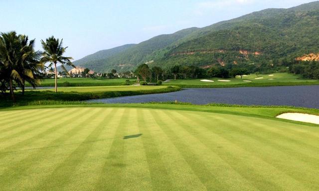 画像: 海沿いのホールが連く絶景の「ビンパールゴルフクラブ」