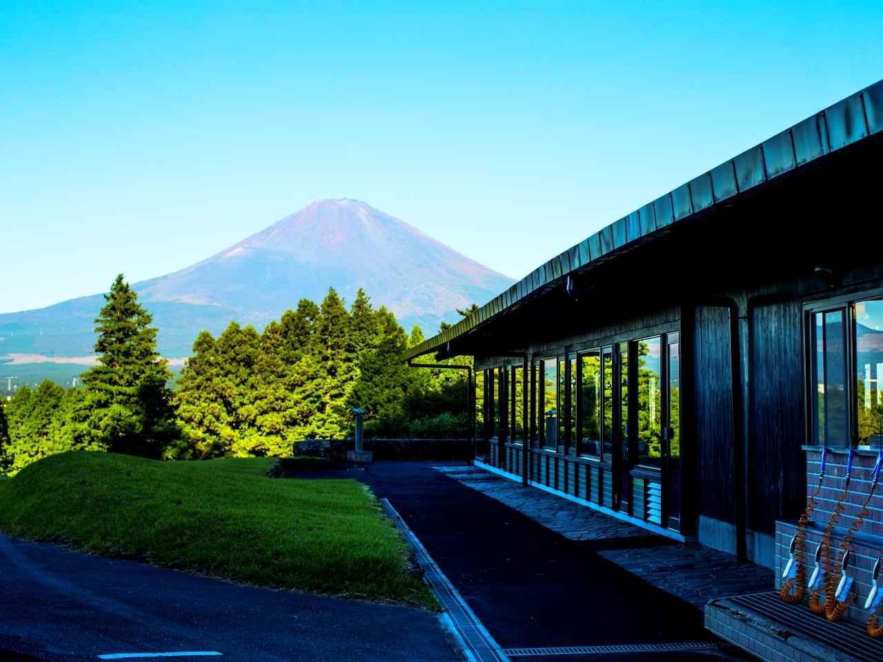 画像: クラブハウス前から富士山を望む