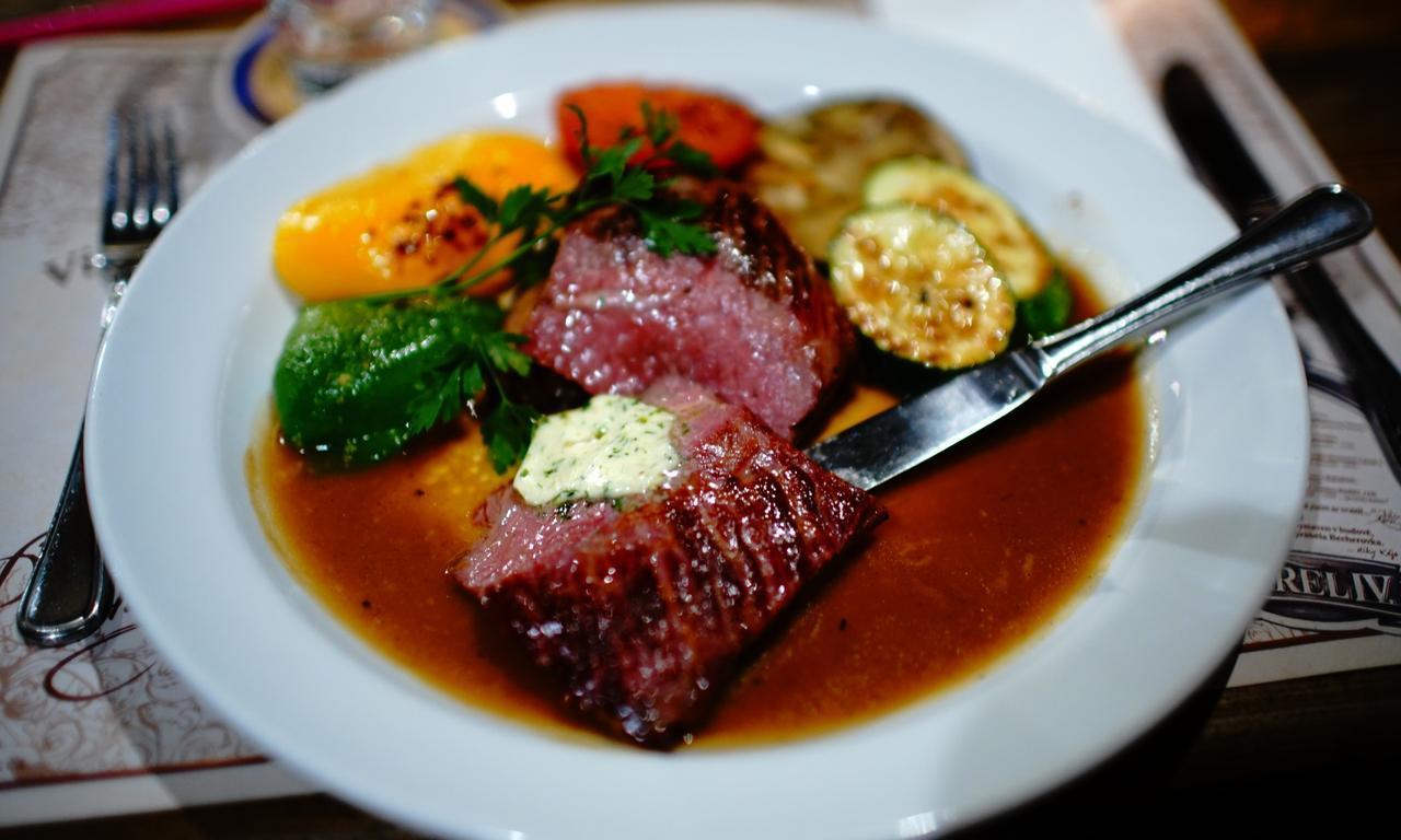 画像: 「プラハ」、そして温泉地「カルロヴィヴァリ」での食事