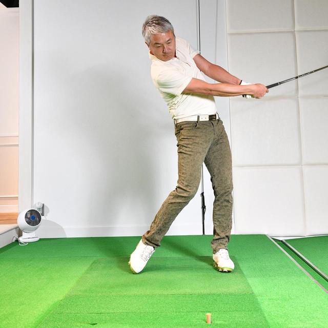 画像4: 【ドライバー】出球が安定しないのは「胸の向き」に問題アリ。腕と体の同調を直レッスン!