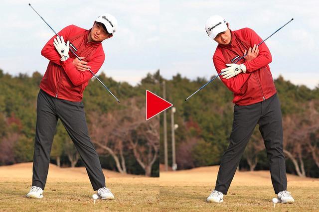 画像: トップで体は右に倒し、インパクトは左に倒す