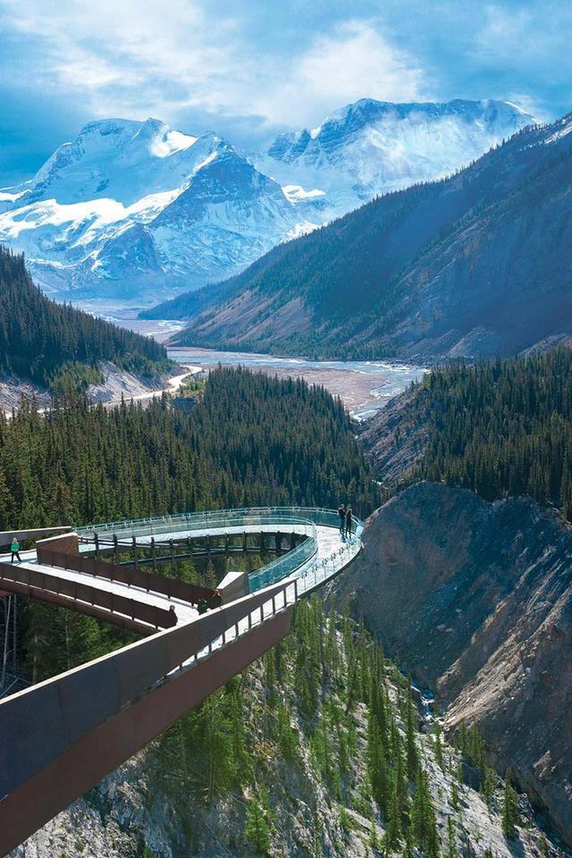 画像: グレイシャー・スカイウォーク(Ph/Brewster Travel Canada)